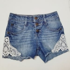 Girl's Mudd denim Jean shorts with crochet detail